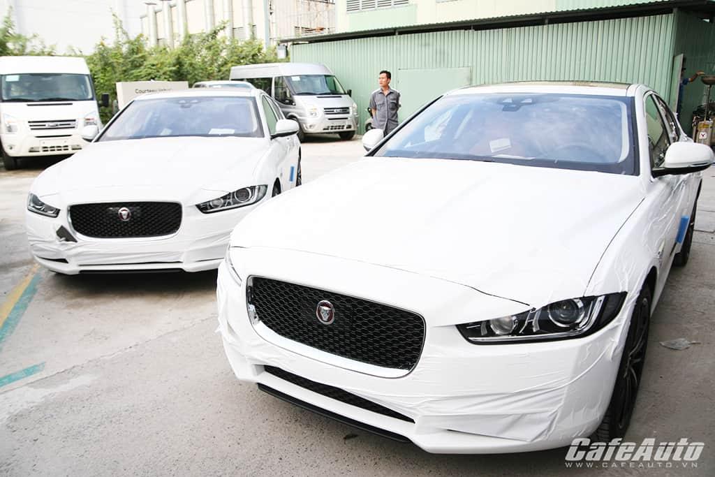 Căp đôi Jaguar XE 2015 đầu tiên cặp cảng Việt Nam Nguồn: Căp đôi Jaguar XE 2015 đầu tiên cặp cảng Việt Nam 2