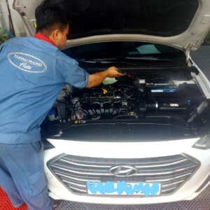 Maintenance Process of Car Engine compartment 6 Thanh Phong Auto HCM
