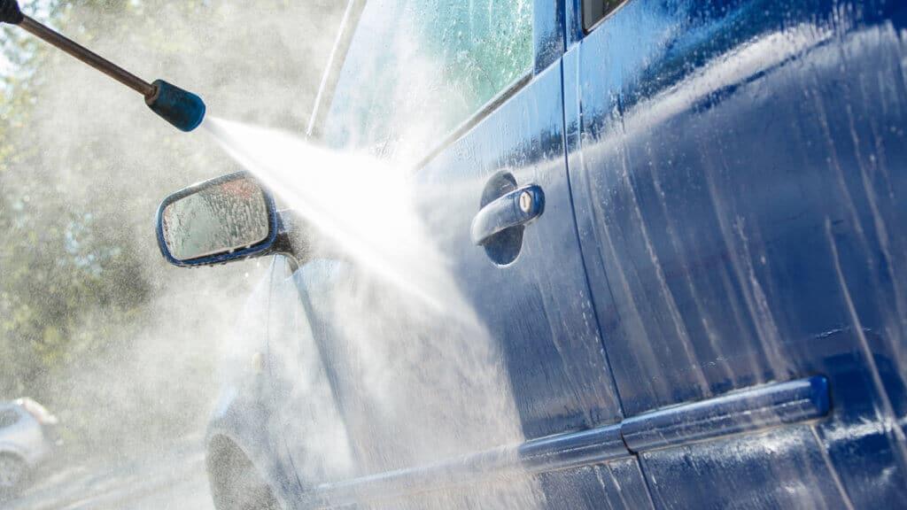 mẹo rửa xe ô tô tại nhà nhanh nhất