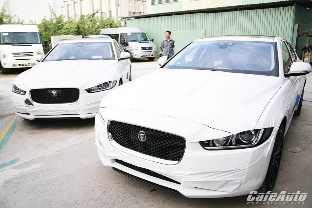 Căp đôi Jaguar XE 2015 đầu tiên cặp cảng Việt Nam Nguồn: Căp đôi Jaguar XE 2015 đầu tiên cặp cảng Việt Nam 1