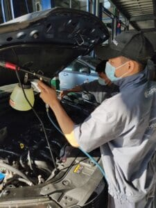 Maintenance Process of Car Engine compartment 4 Thanh Phong Auto HCM