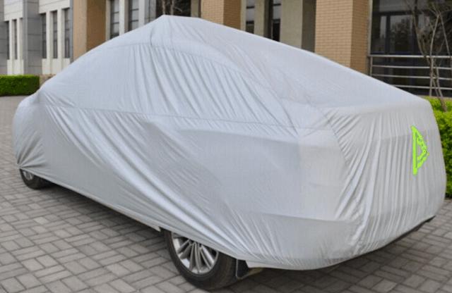 Bạt phủ, áo trùm, tấm che nắng xe ô tô được sử dụng khá phổ biến
