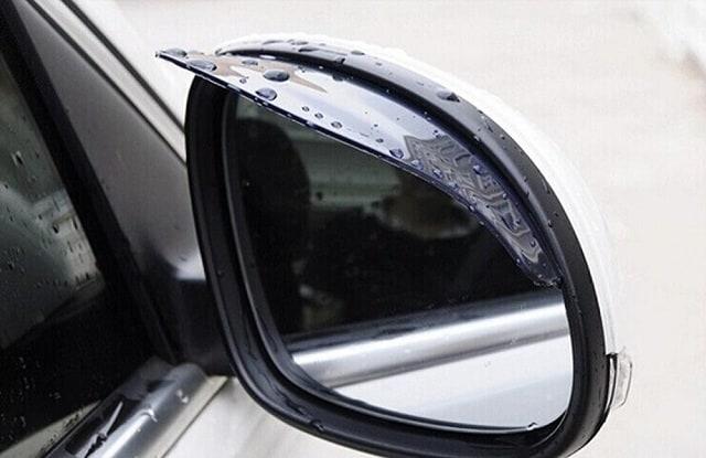 Vè che mưa quá dày sẽ ảnh hưởng đến tầm nhìn của người lái