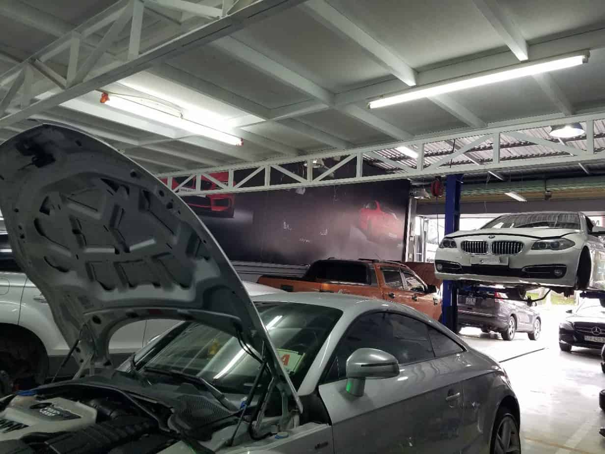 Choosing a garage for good car repair helps your car get the best repair and maintenance