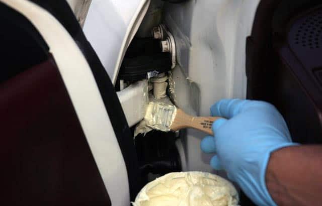 Những lưu ý khi sửa chữa, bảo dưỡng bản lề cửa xe ôtô