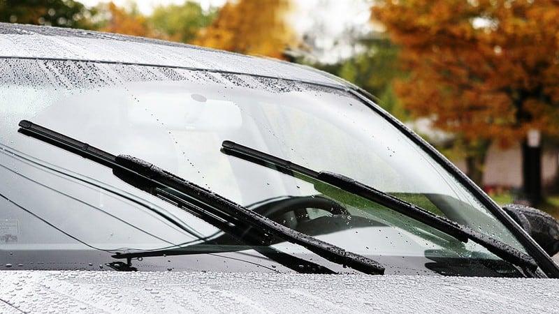 Khi sửa chữa, bảo dưỡng cần gạt nước mưa xe ôtô cần lưu ý gì?