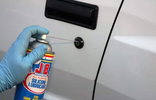 Những vấn đề bạn cần quan tâm khi sửa chữa, bảo dưỡng khóa cửa xe ôtô