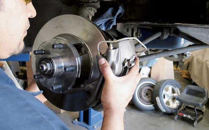 Các vấn đề bạn cần lưu tâm khi sửa chữa, bảo dưỡng phanh gầm xe ôtô