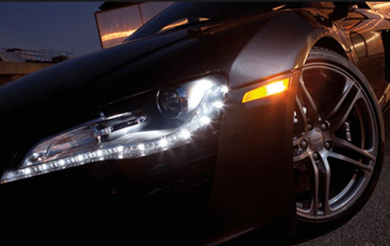 Hãy đến với garage uy tín để được nhân viên kỹ thuật tiến hành kiểm tra, sửa chữa đèn xe ô tô