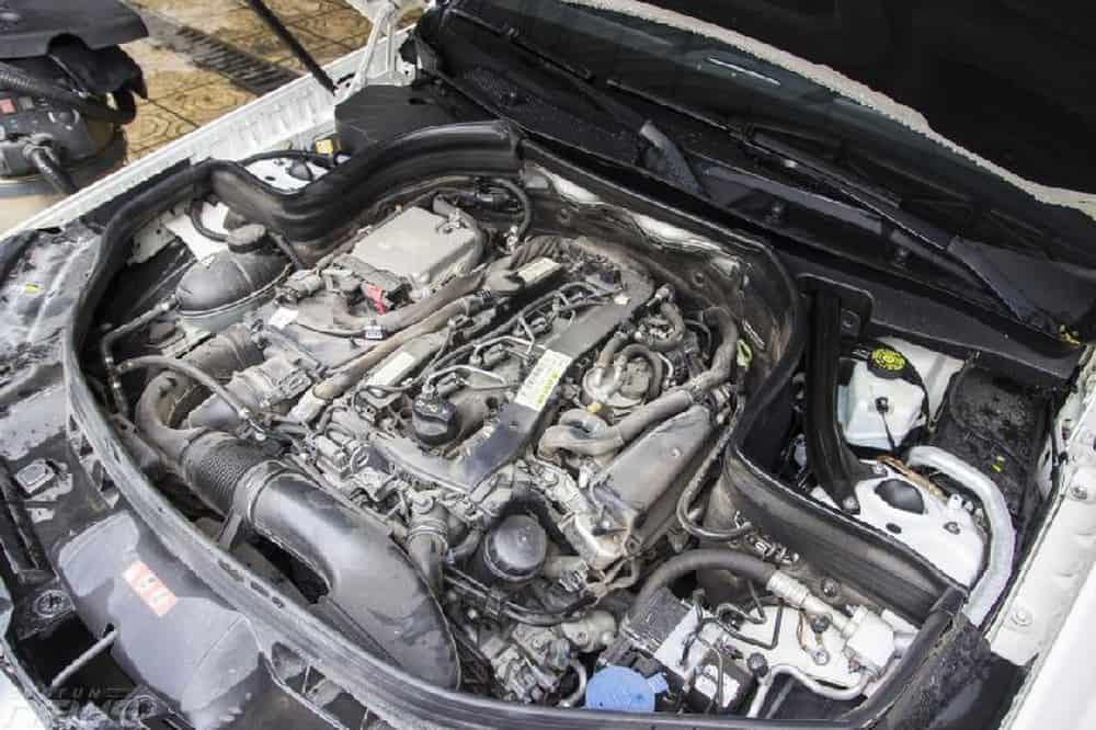 Khi sửa chữa nắp máy động cơ xe ôtô bạn cần lưu ý gì?