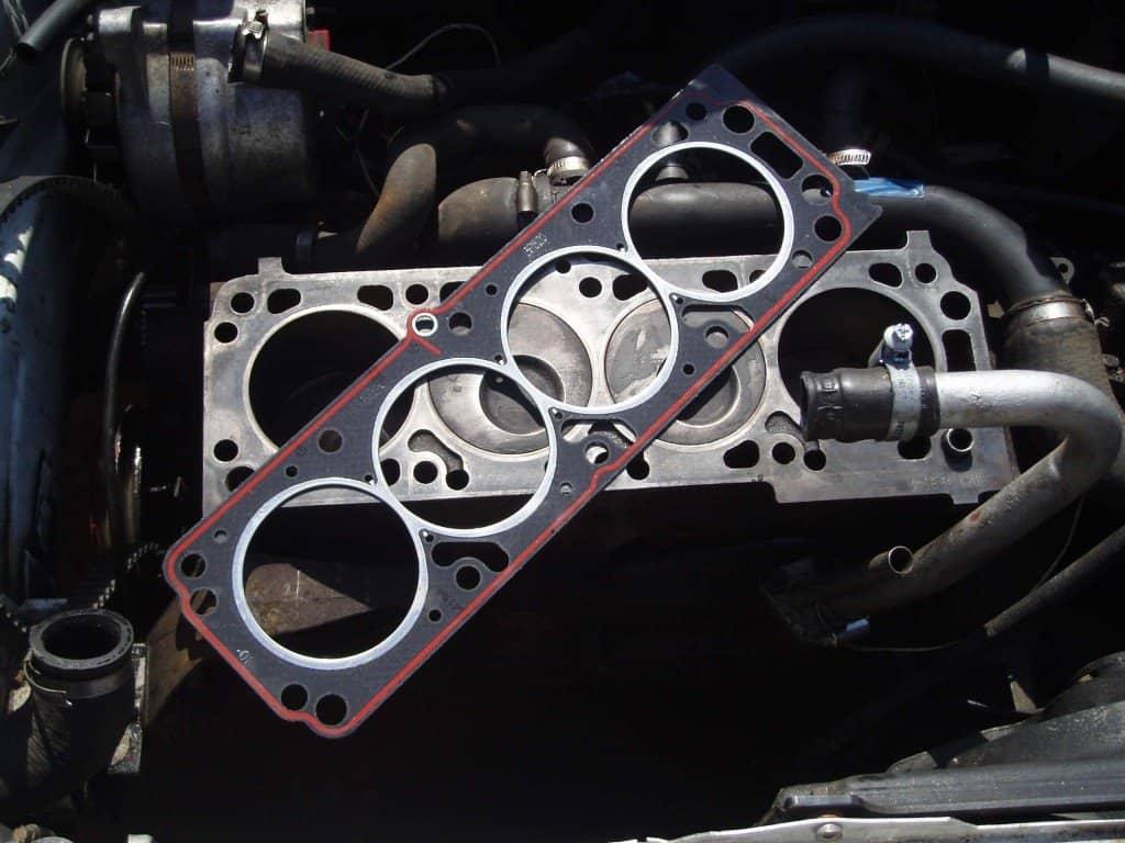 Các bước kiểm tra, sửa chữa nắp máy động cơ xe ô tô