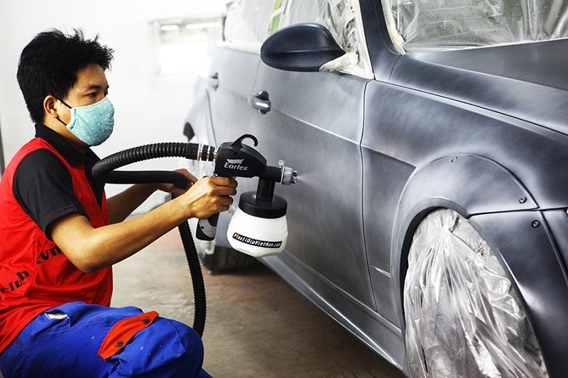 Hãy tới garage uy tín để nhân viên tiến hành sửa chữa xe ô tô gặp tai nạn