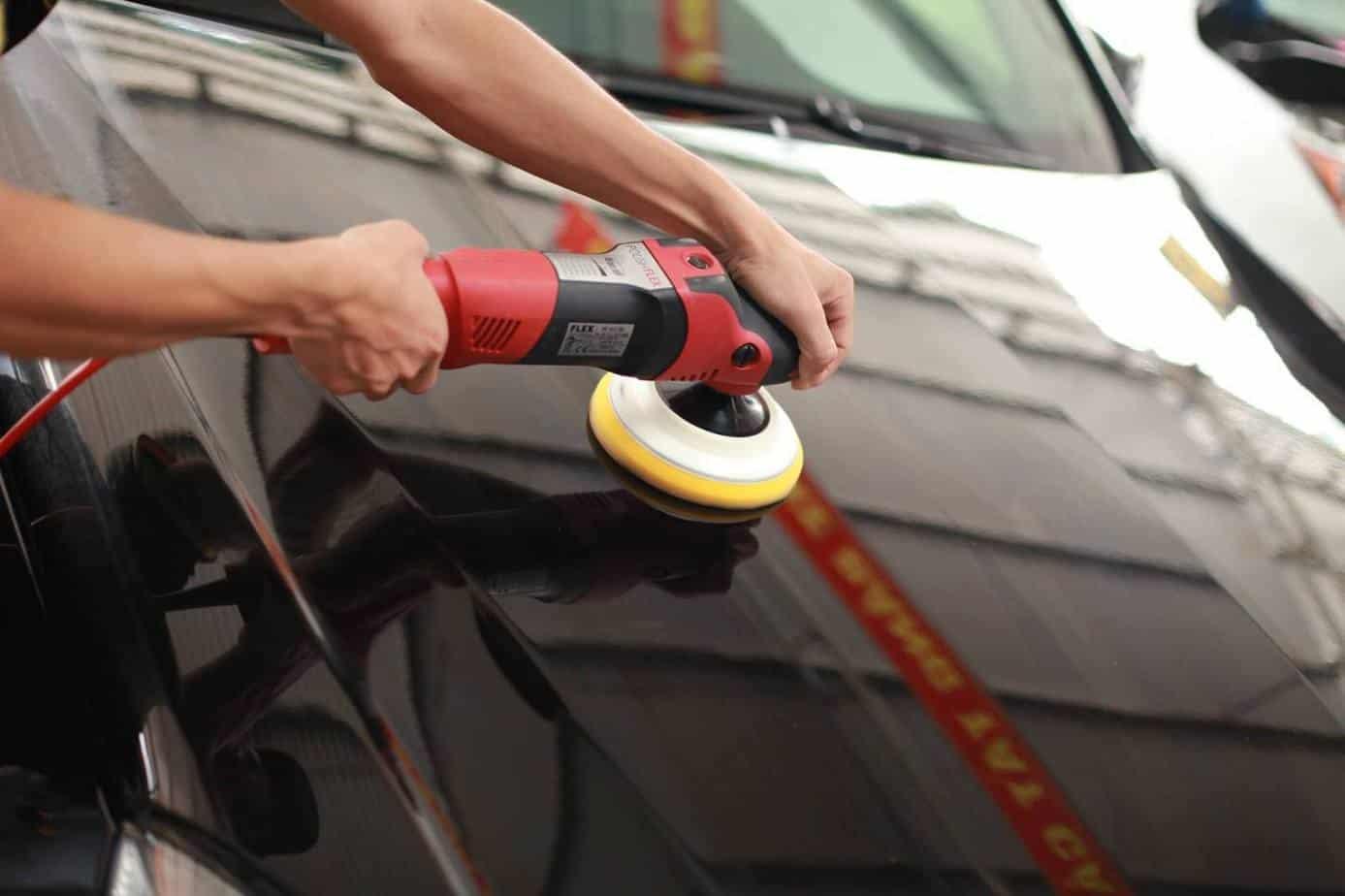 Chủ xe nên đánh bóng ngoại thất xe ô tô khi xe có các vết trầy xước