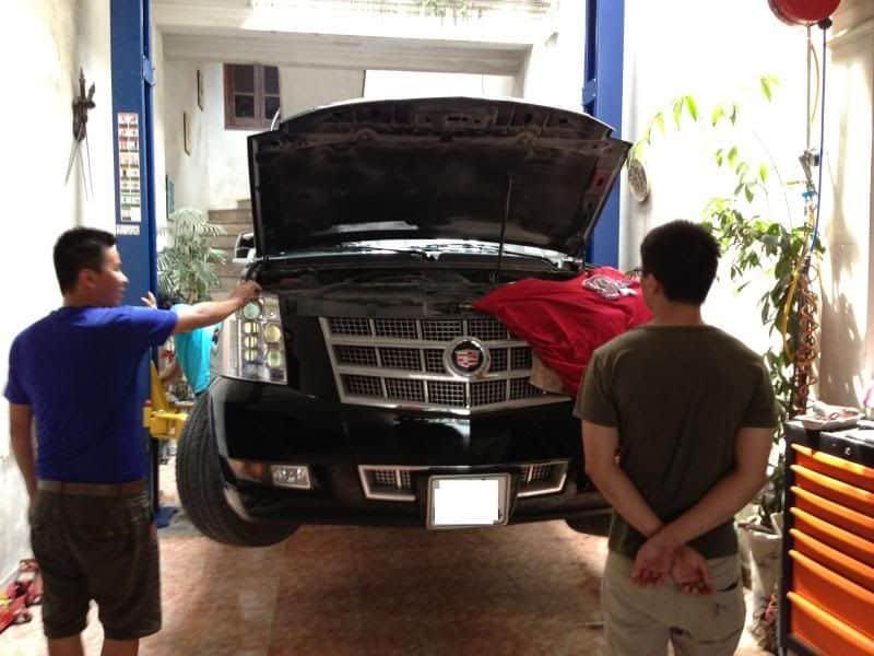 Chọn trung tâm sửa chữa xe ô tô Cadillac có nhân viên kỹ thuật giỏi