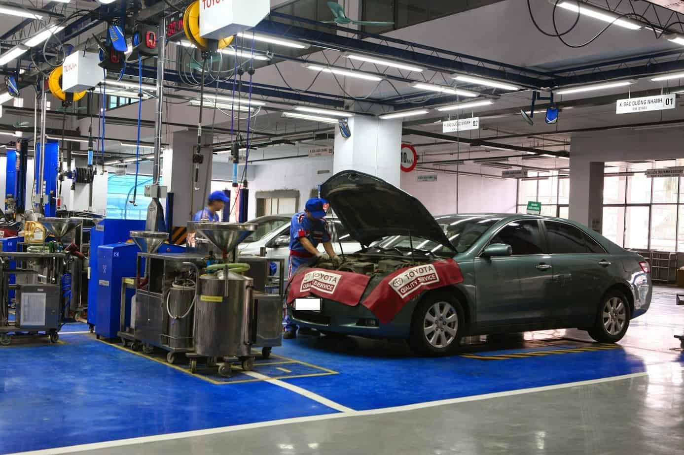 Bạn cần đưa xe tới garage uy tín để được khắc phục lỗi hệ thống phun xăng điện tử của xe Chrysler