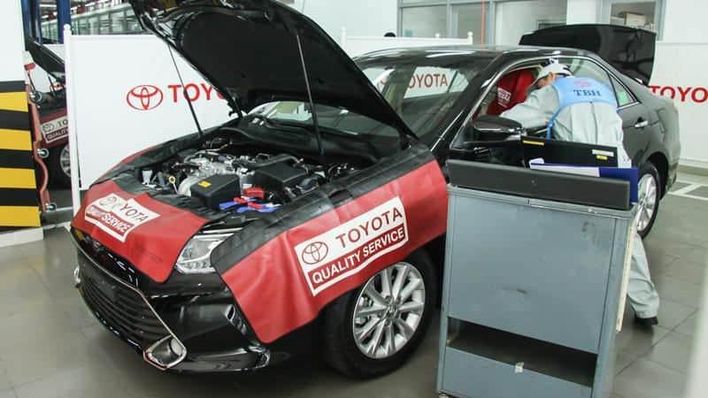 Sau 6 tháng, bạn nên đưa xe ô tô Vios tới garage để được nhân viên kỹ thuật kiểm tra