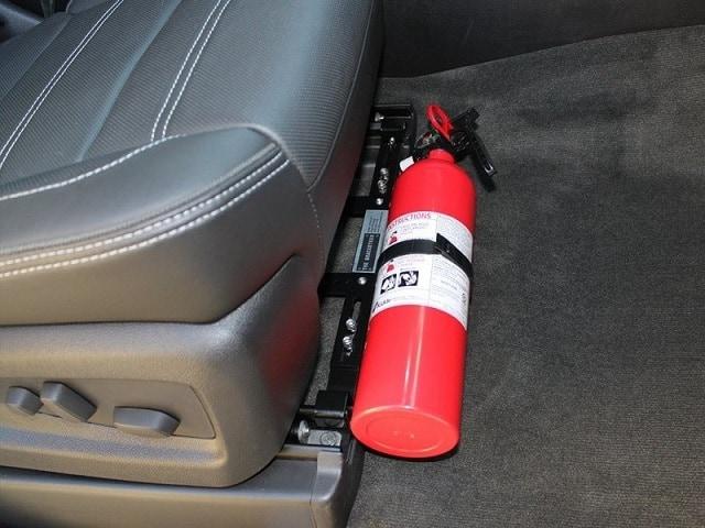 Bình cứu hỏa trên xe ô tô rất cần thiết trên xe hơi