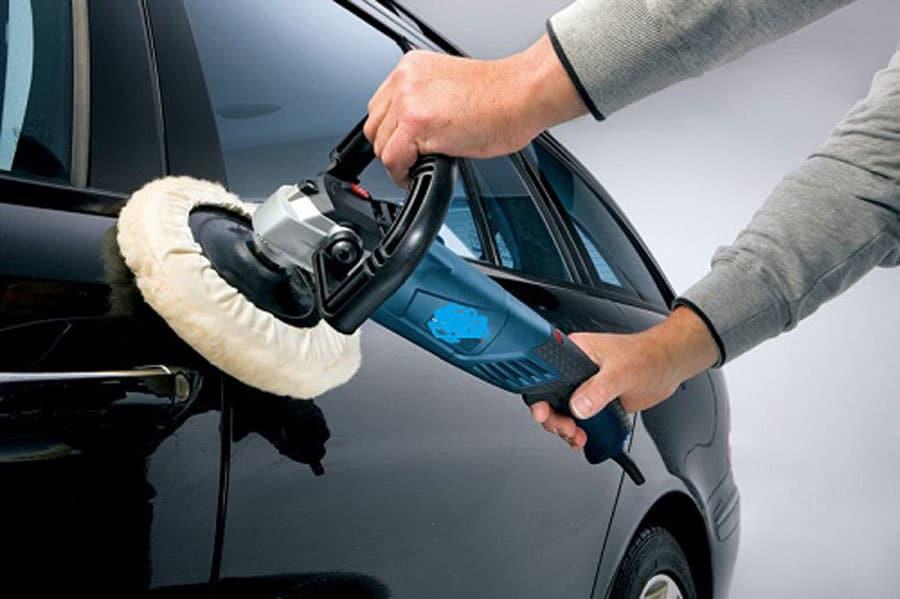 Bảo dưỡng bề mặt sơn xe thật cẩn thận và đúng cách