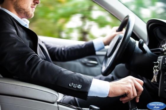 lái xe hộp số tự động