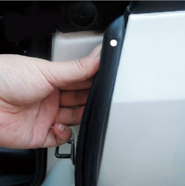 Gioăng cửa ô tô sua một thời gian sử dụng sẽ không còn ôm sát vào cánh cửa nữa
