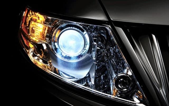 3 lưu ý khi độ, sửa thay bóng đèn pha ô tô cho bạn tham khảo 4