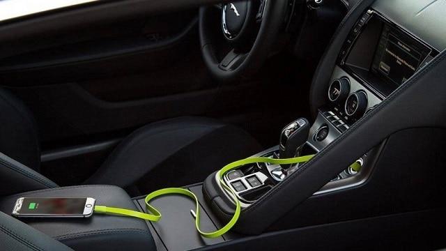 Tẩu sạc ô tô là nơi có nguồn điện mạnh nhất trên xe