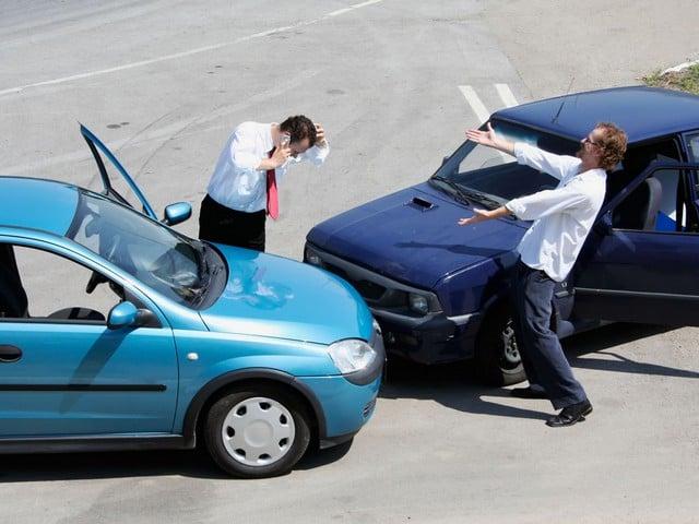 5 kinh nghiệm mua bảo hiểm ô tô trách nhiệm dân sự bạn cần biết 1