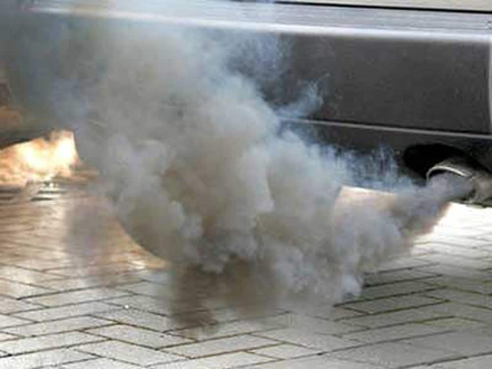 How To Guess The Car's Disease Thanks to the Color and Smell of Exhaust Gas 6 Thanh Phong Auto HCM