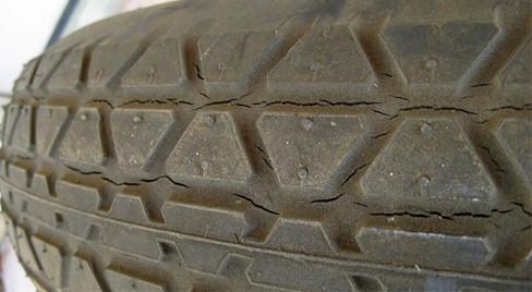 Cần Thiết Phải Thay Lốp Ô Tô Trong Những Trường Hợp Nào 4 Thanh Phong Auto HCM