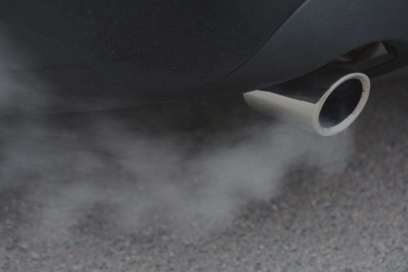 How To Guess The Car's Disease Thanks to the Color and Smell of Exhaust Gas 7 Thanh Phong Auto HCM