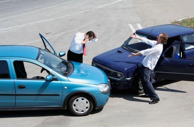 Cần nắm rõ các quyền lợi ghi trên điều khoản hợp đồng bảo hiểm