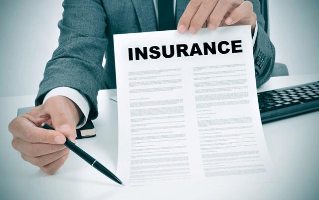 Đọc kỹ tài liệu giới thiệu về quy tắc bảo hiểm để tránh những điều đáng tiếc về sau.