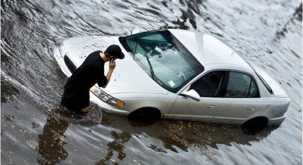 10 Điều Cần Thực Hiện Khi Xe Ô Tô Bị Ngập Nước, Thủy Kích 1