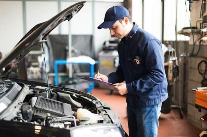 Nguyên nhân làm xe ô tô hao xăng và cách sửa chữa 2