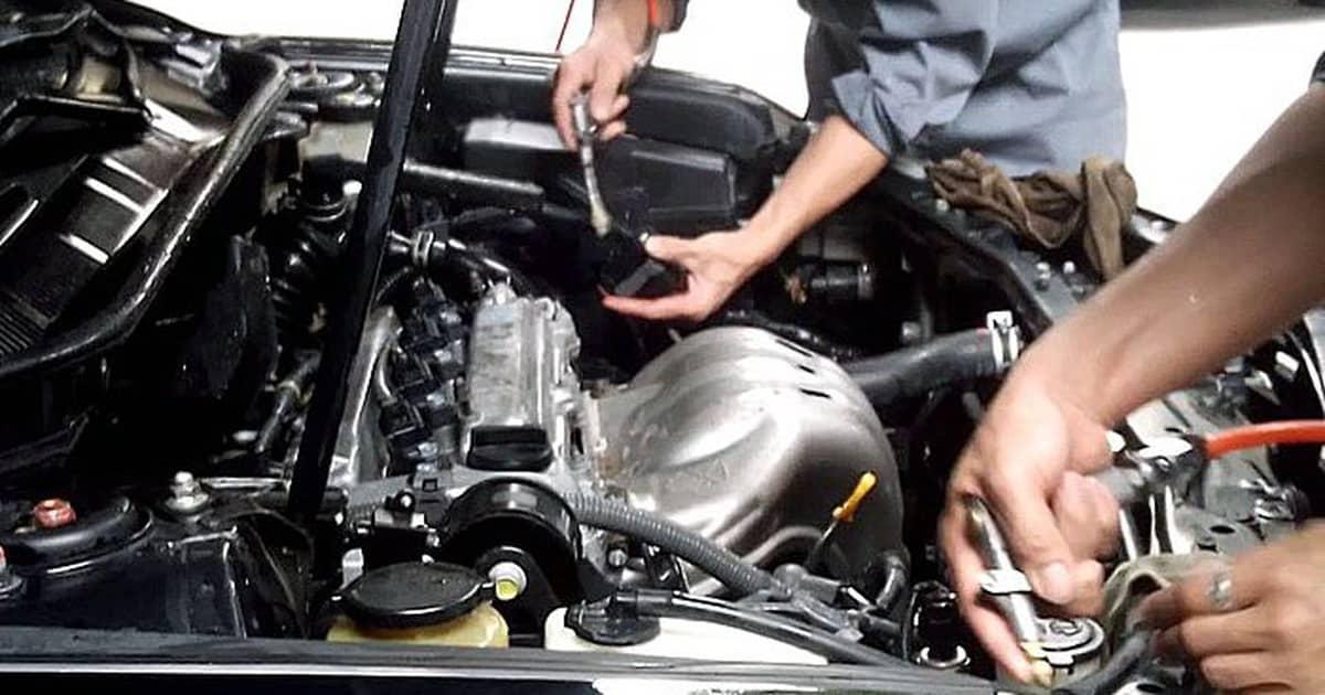 Nguyên nhân làm xe ô tô hao xăng và cách sửa chữa 3