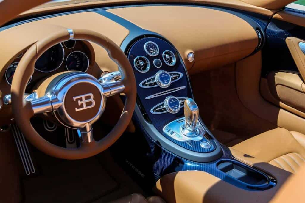 Bật Mí 6 Sự Thật Thú Vị Về Siêu Xe Bugatti Veyron 6
