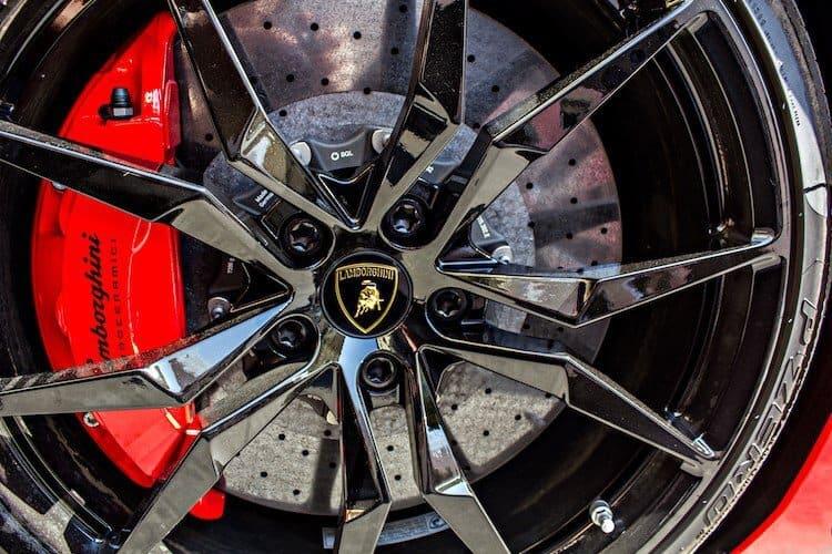 Chi Phí Cần Thiết Để Nuôi Siêu Xe Lamborghini Mỗi Năm 3