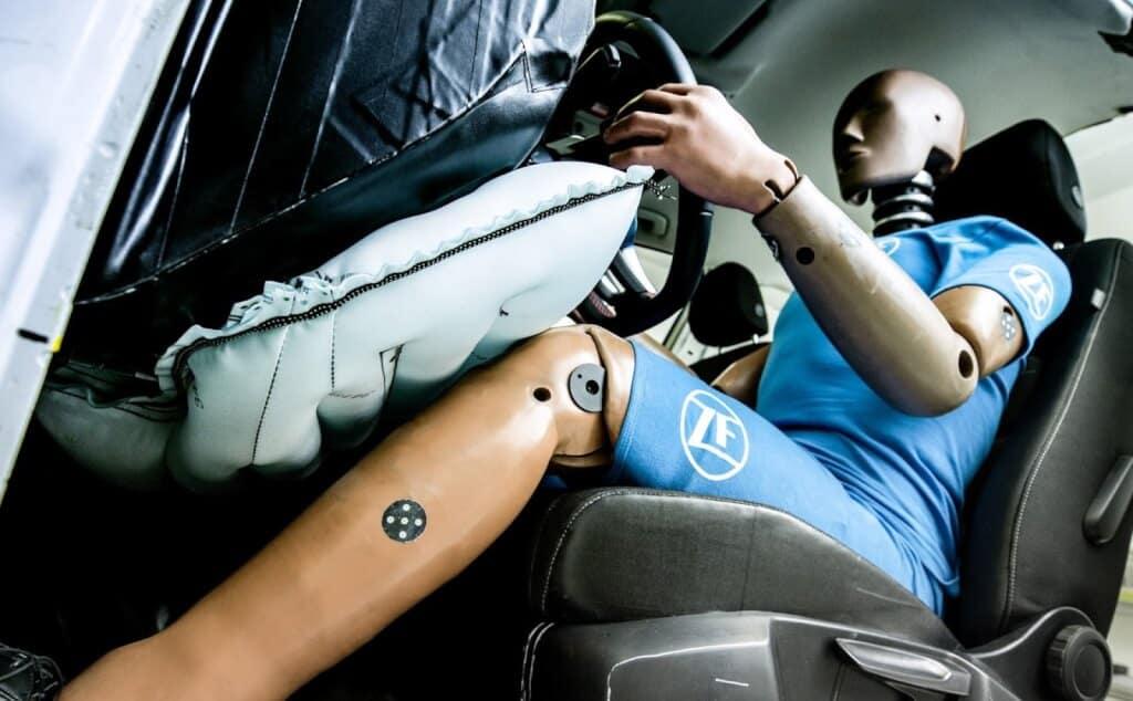 6 Tính Năng An Toàn Bị Động Trên Xe Ô Tô Bạn Cần Biết 11