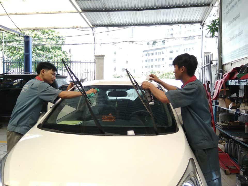 4 cách bảo vệ nội thất xe ô tô trong những ngày hè nắng nóng 1