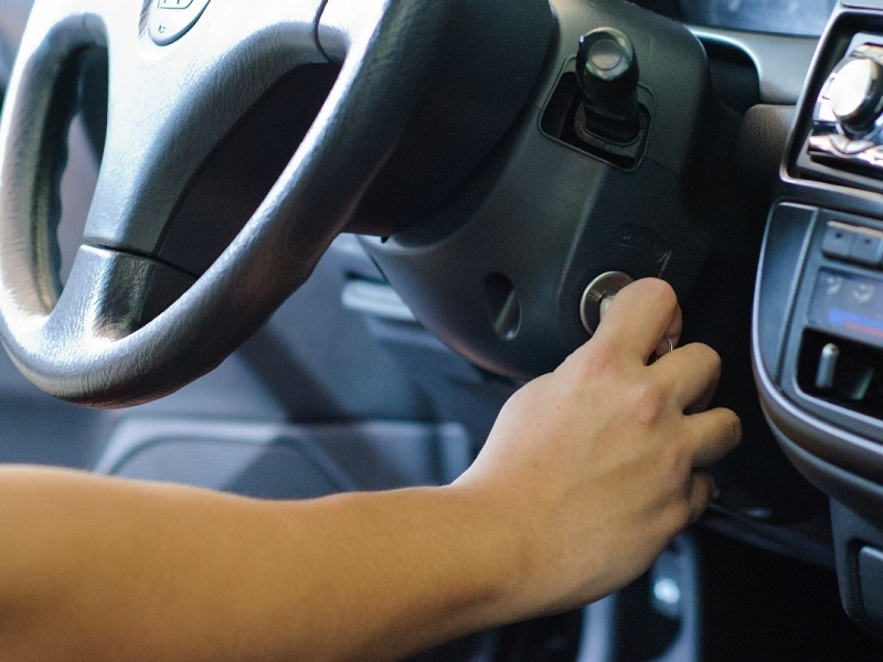 Dấu Hiệu, Cách Kiểm Tra Vấn Đề Trên Hệ Thống Sạc Ô Tô 3 Thanh Phong Auto HCM
