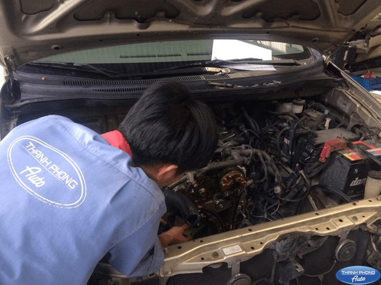Học sửa chữa động cơ ô tô tại Thanh Phong