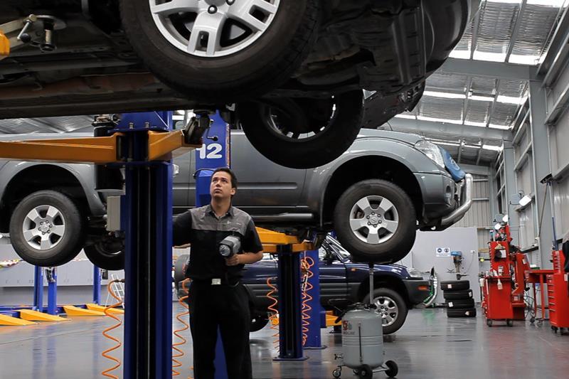 gara sửa chữa ô tô chuyên nghiệp quận bình thạnh