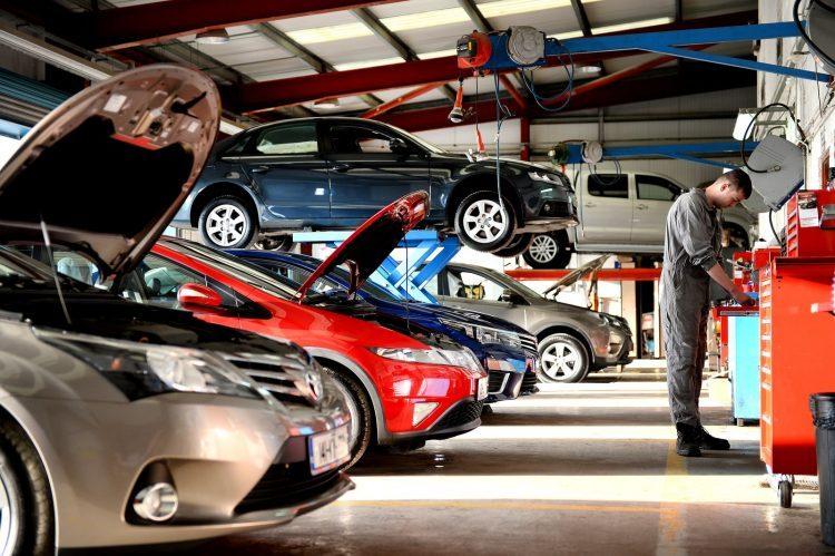 gara sửa chữa bảo dưỡng ô tô chuyên nghiệp ở phú nhuận